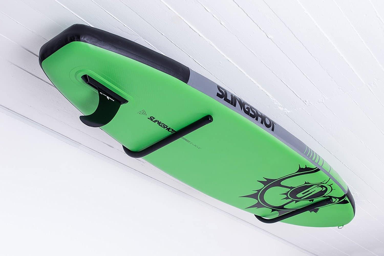 bild zeigt deckenhalterung für sup board von der marke 4boarders