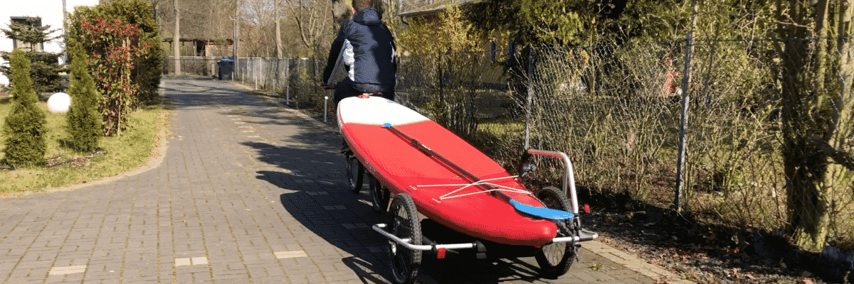SUP Board transportieren mit Fahrrad