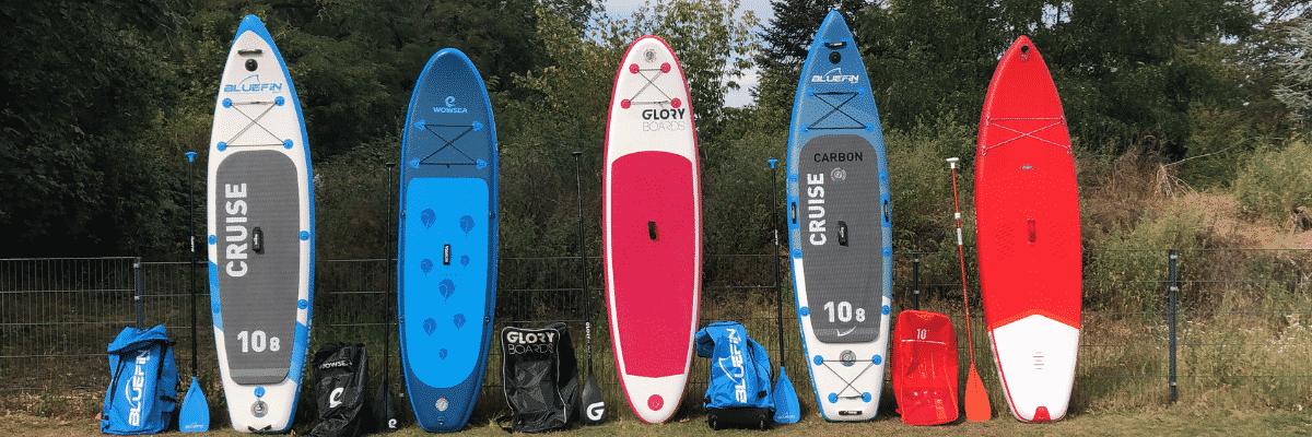 SUP Boards aufgereiht